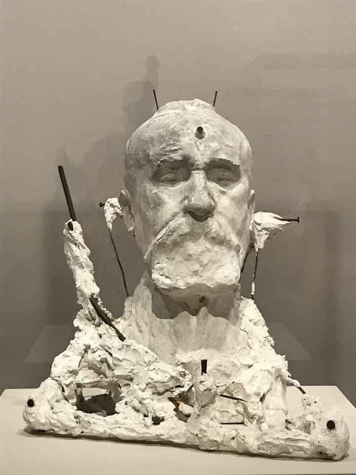 Photo d'une statue de Rodin